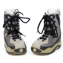 Dee Luxe UK 5 Mondo 24 Snowboard Boots